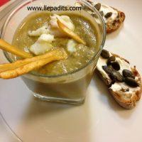 gotet aperitiu crema de carxofa amb xips de xirivia i ou de guatlla