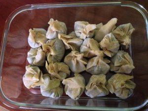 recepta amb pasta wonton farcida de carxofa i foie