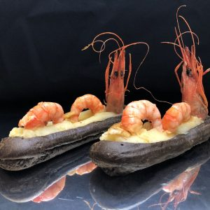 eclair gamba de Vilanova a l'all cremat i cremós de patata