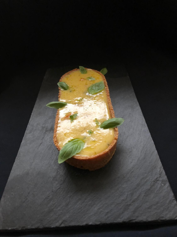 tartaleta crema de llimona amb amb alfàbrega i oli d'oliva